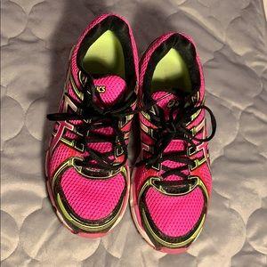 Women's size 9.5 ASICS Gel tennis shoes
